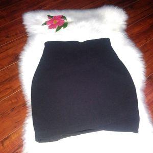 Express Skirts women's color black size M